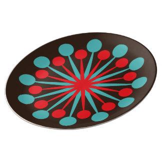 スターバストの世紀半ばのモダンで赤いターコイズ 磁器プレート