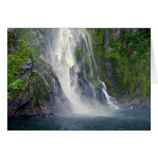 スターリングの滝、Milford Sound、NZのカード カード