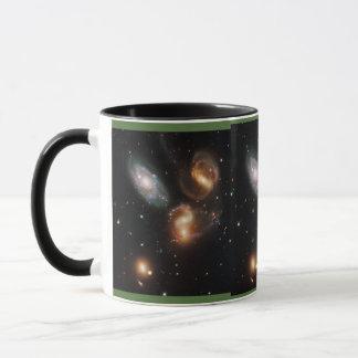 スティーブンのクインテットの銀河系の集り マグカップ