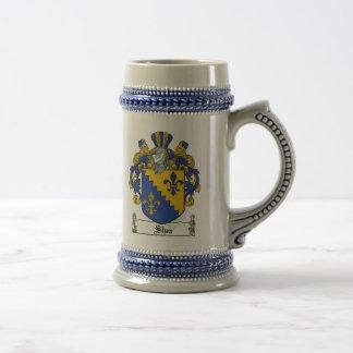 ステインシアバターの紋章付き外衣 ビールジョッキ