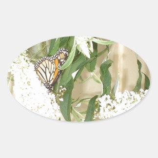 ステッカーの蝶白い花 楕円形シール