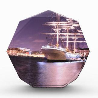 ストックホルム、スウェーデンの夜の遊航船 表彰盾