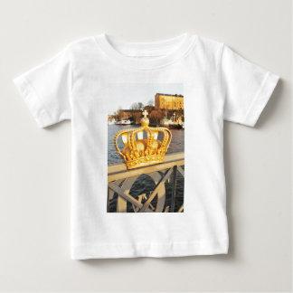 ストックホルム、スウェーデンの橋の詳細 ベビーTシャツ