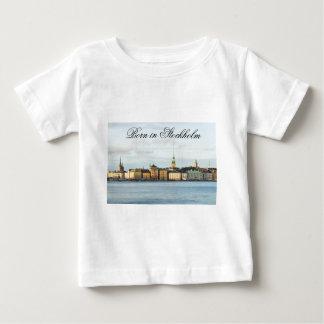 ストックホルム、スウェーデンのGamla Stan ベビーTシャツ