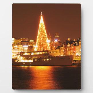 ストックホルム、夜のクリスマスのスウェーデン フォトプラーク