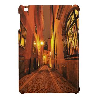 ストックホルム、夜のスウェーデンのGamla Stanの通り iPad Miniケース