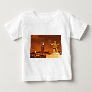 ストックホルム、夜のスウェーデン ベビーTシャツ