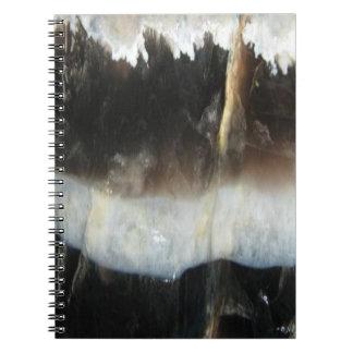 ストライプので黒い瑪瑙、クールでユニークな自然の石 ノートブック
