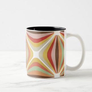ストライプのな正方形のサーカスパターン ツートーンマグカップ