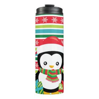 ストライプのな雪片の背景のギフトのペンギン タンブラー