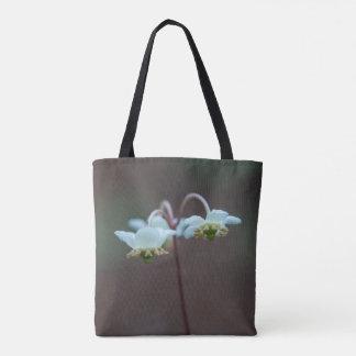 ストライプのなWintergreen Pipsissewaの野生の花のトートバック トートバッグ