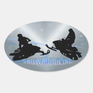 スノーモービルで行くこと- Snowmobilersの楕円形のステッカー 楕円形シール