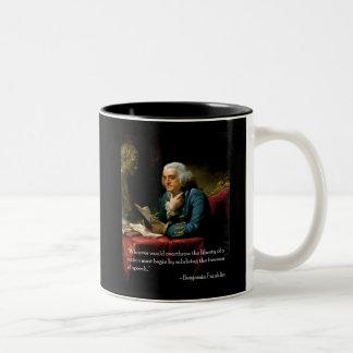 スピーチのBenjamin_Franklin_1767引用文 ツートーンマグカップ