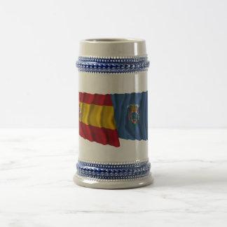 スペインおよびメリリャの振る旗 ビールジョッキ
