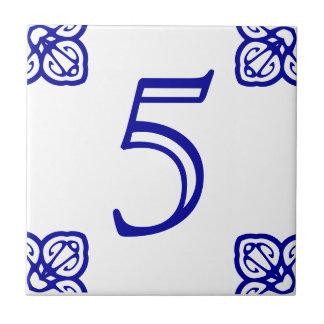 スペインのな屋家番号のタイル タイル