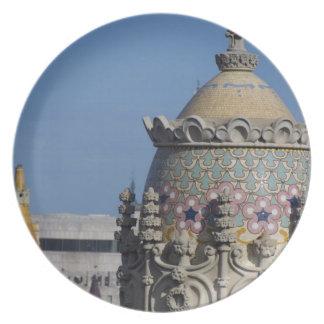 スペイン、カタロニア、バルセロナ。 バルセロナの屋根の上 プレート