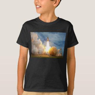 スペースシャトルの最終的な代表団の進水 Tシャツ
