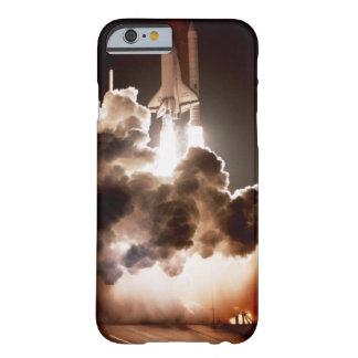 スペースシャトルの進水 BARELY THERE iPhone 6 ケース