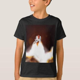 スペースシャトル夜進水のイラストレーション Tシャツ