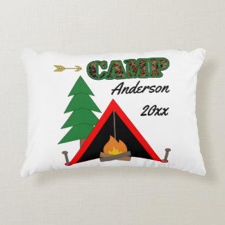 スポーティなキャンプのキャンプファイヤーのテントの名前 アクセントクッション