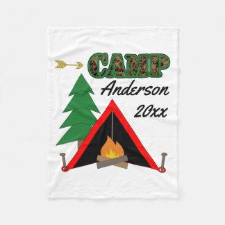 スポーティなキャンプのキャンプファイヤーのテントの名前 フリースブランケット