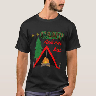 スポーティなキャンプのキャンプファイヤーのテントの名前 Tシャツ