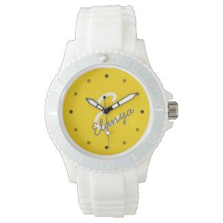 スポーティな女性名前入りなモノグラム 腕時計