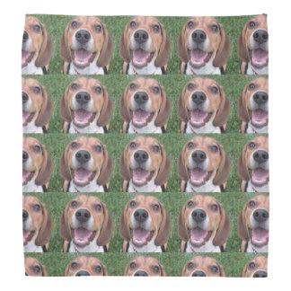 スマイリーフェイスのビーグル犬のバンダナ バンダナ