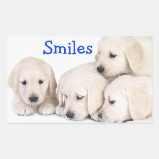 スマイルのラブラドル・レトリーバー犬の子犬のステッカー 長方形シール