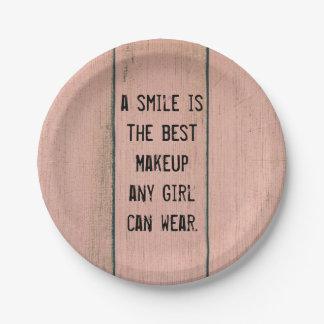 スマイルはどの女の子でも身に着けることができる最も最高のな化粧です ペーパープレート