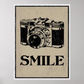 スマイル: レトロのカメラの芸術ポスター ポスター