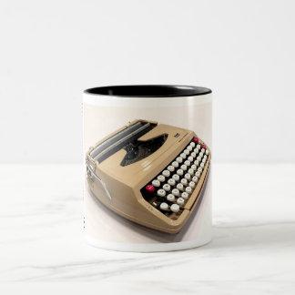 スミスコロナの海賊のタイプライター ツートーンマグカップ