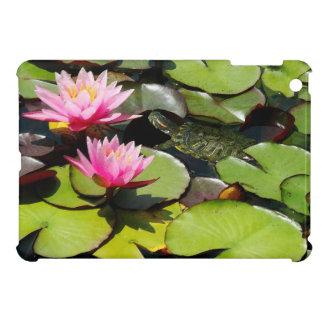 スライダーのカメの《植物》スイレンによっては池の野性生物が開花します iPad MINIカバー