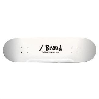 スラッシュのブランドのスケートボード スケボー