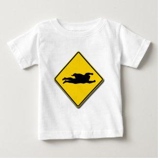 スーパーヒーローの交差 ベビーTシャツ
