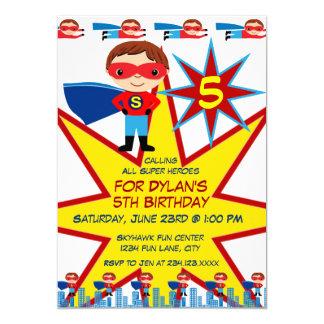 スーパーヒーローは男の子のバースデーパーティ招待状をからかいます カード