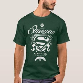 スーパーマンの紋章付き外衣 Tシャツ