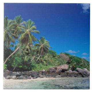 セイシェルのMaheの島、Anse Royaleのビーチ。 2 タイル