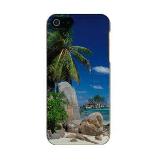 セイシェルのMaheの島、Anse Royale浜 メタリックiPhone SE/5/5sケース