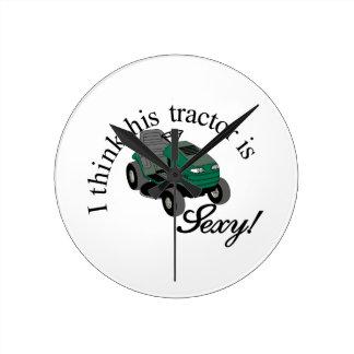 セクシーな彼のトラクター ラウンド壁時計