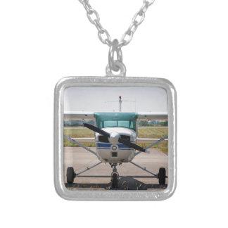 セスナの軽飛行機 シルバープレートネックレス