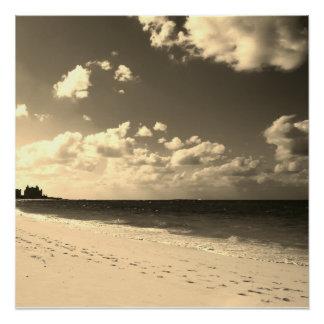 セピア色の城のビーチ ポスター