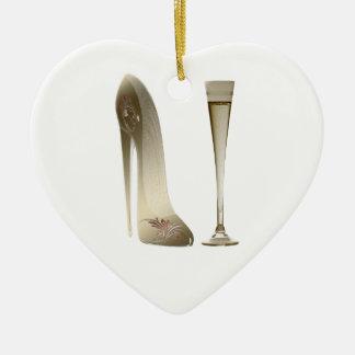 セピア色の小剣の靴およびお祝いシャンペン セラミックオーナメント