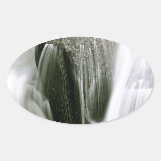 セピア色の滝の詳細 楕円形シール