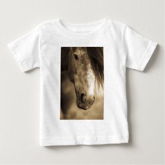セピア色の馬 ベビーTシャツ