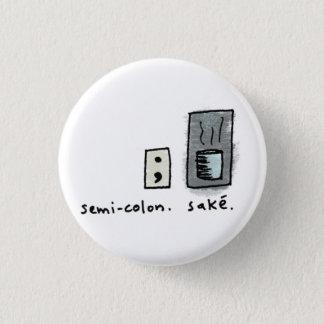 セミコロン + 為 3.2CM 丸型バッジ