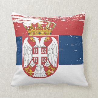 セルビアのグランジな旗 クッション