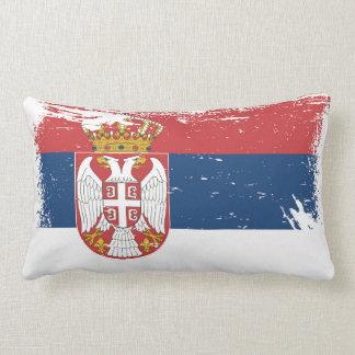 セルビアのグランジな旗 ランバークッション