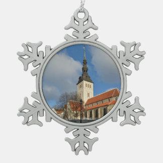 セントニコラスの教会、タリン、エストニア ピューター製スノーフレークオーナメント