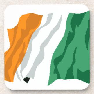 セントパトリックのアイルランドの旗のコルクのコースター コースター